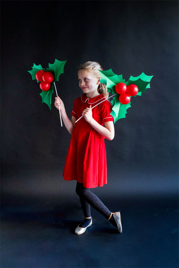 HOLLY BALLOON STICKS, Christmas crafts, girl
