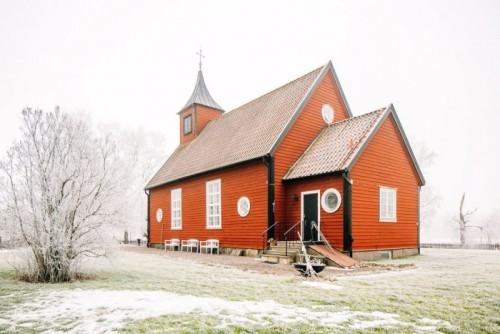 silly-little-chapel-24-700x467