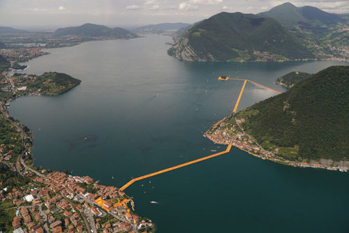 christo floating piers aerial