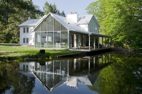 Floating Farmhouse spring