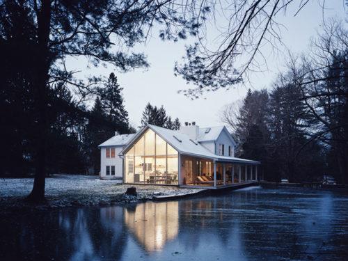 Floating Farmhouse Givone