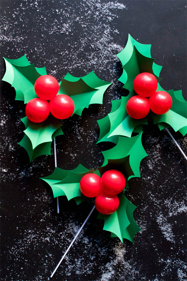 HOLLY BALLOON STICKS, Christmas crafts