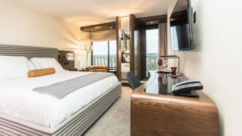 watergate hotel guestroom