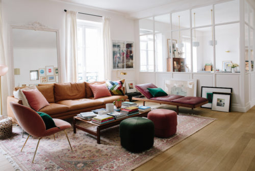 Living room, open kitchen of a Paris apartment, Morgane Sézalory, separated by glass